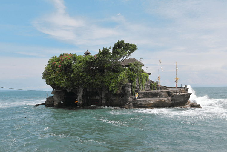 Tanah Lot Temple Bali Vodafone roaming